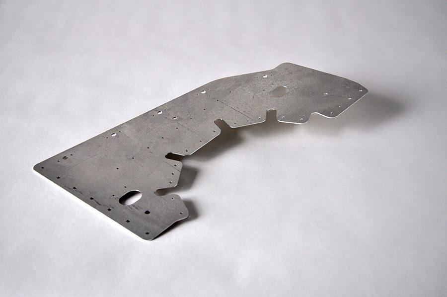Usinage aluminium, pièce automobile, épaisseur 1,5mm